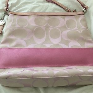 EUC -Like new Coach Signature Bag